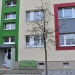 Fassaden und Treppenhäuser im Senftenberger Laugkgebiet werden farbenfroher